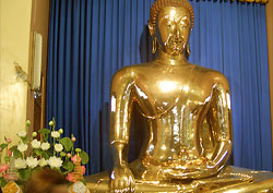 golden buddha statue candid tips by travel authority howard hillman